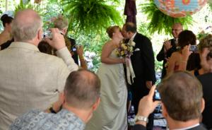 wedding kiss at the inn